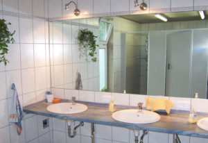 Campingplatz Finsterbergen - saubere Sanitäranlage